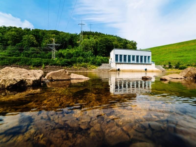 Wasserkraftwerk Romkerhalle an der Okertalsperre im Kreis Goslar (Artikel)