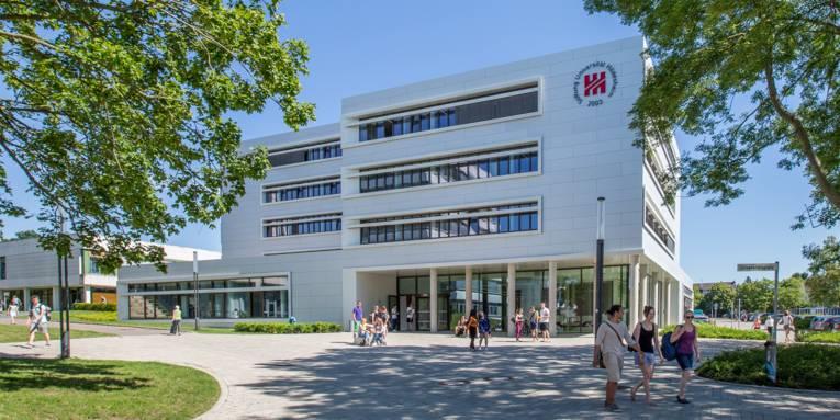 Universität Hildesheim, Campus, Hauptgebäude