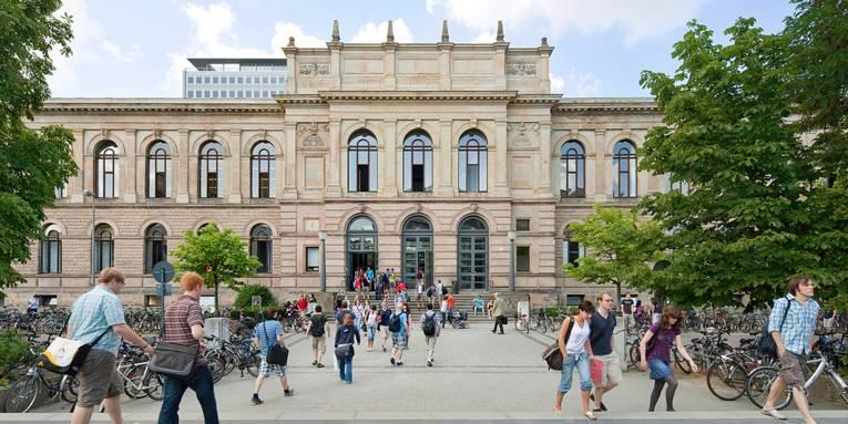 Blick auf das Altgebäude der TU Braunschweig.