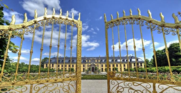 Das Goldene Tor vor den Herrenhäuser Gärten.