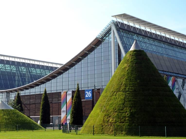 Große Hallen